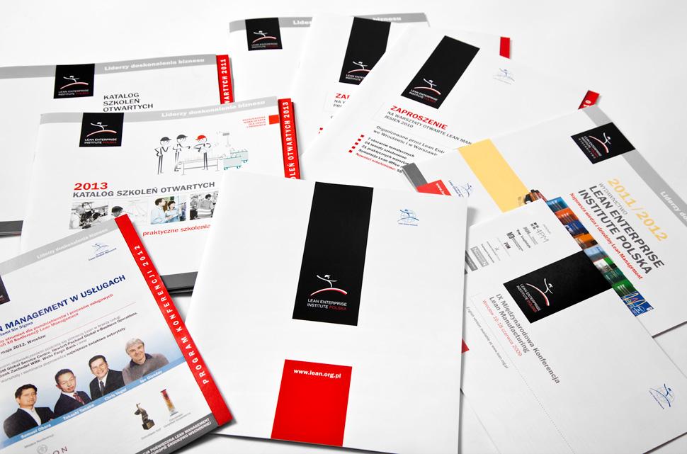 Foldery, katalogi, programy konferencji