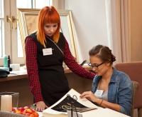 Fotografia reportażowa z warsztatów dla panien młodych